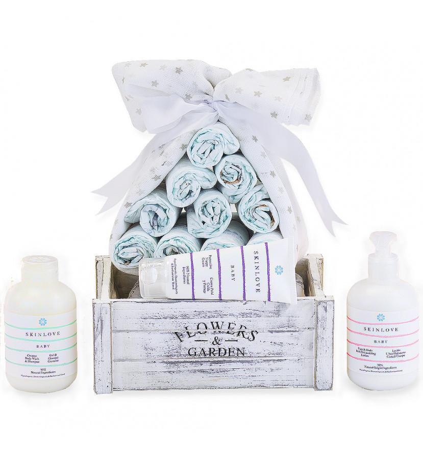 Lot de couches avec produits cosmétiques naturels pour bébés
