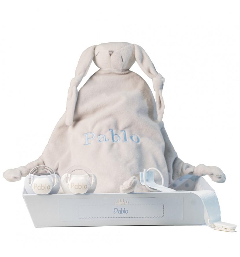 Lot avec doudou et 2 tétines personnalisés avec le prénom du bébé et attache-tétines bleu
